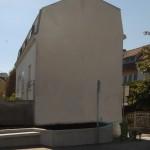 Point de départ du trompe-l'oeil architectural, une façade aveugle.