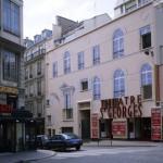 Le théâtre Saint-Georges, trompe-l'oeil architectural tout en anamorphose.
